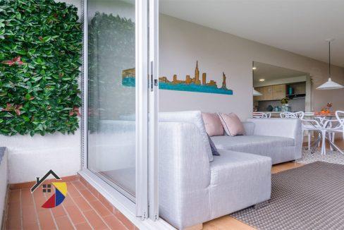 balcon-sala--aragoncastilla-apartamento