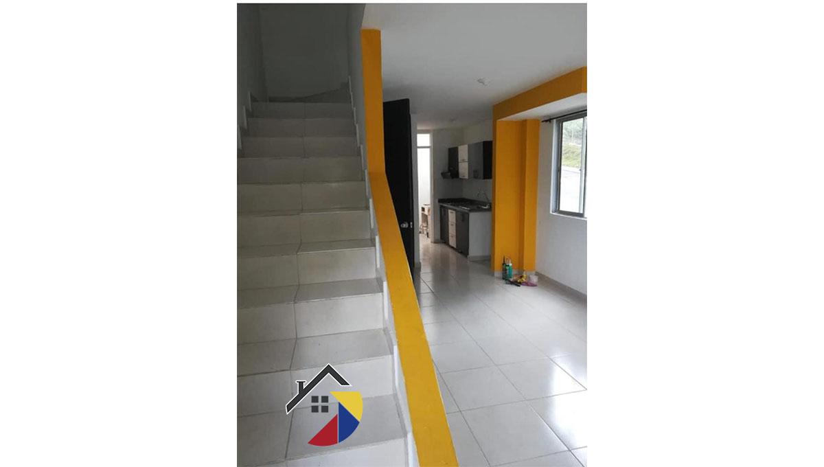 escaleras_venta_casa_galatea_dosquebradas